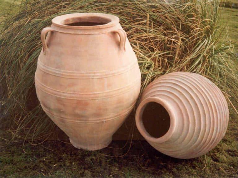 Cretan Oil Jar and Beehive Urn Lifestyle1