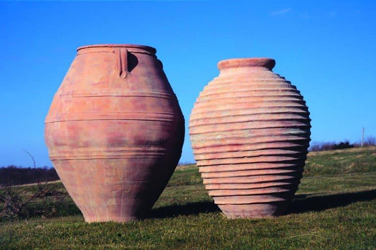 Cretan Oil Jar and Beehive Urn Lifestyle2