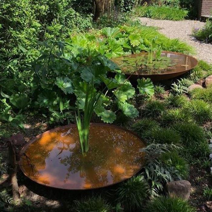 Corten Steel Water Bowl Lifestyle1