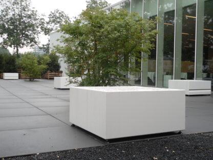 Aluminium Pedestal by Adezz Lifestyle1