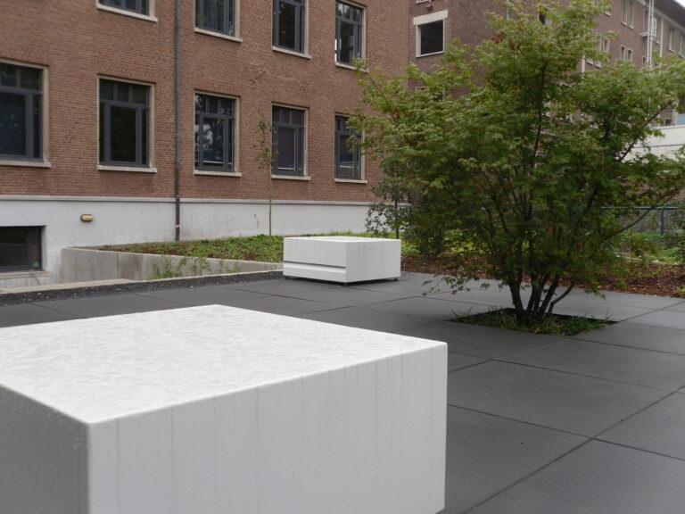 Aluminium Pedestal by Adezz Lifestyle2