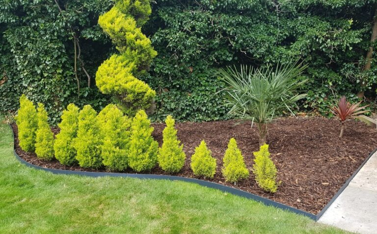 Edgeline Garden Edging Lifestyle1