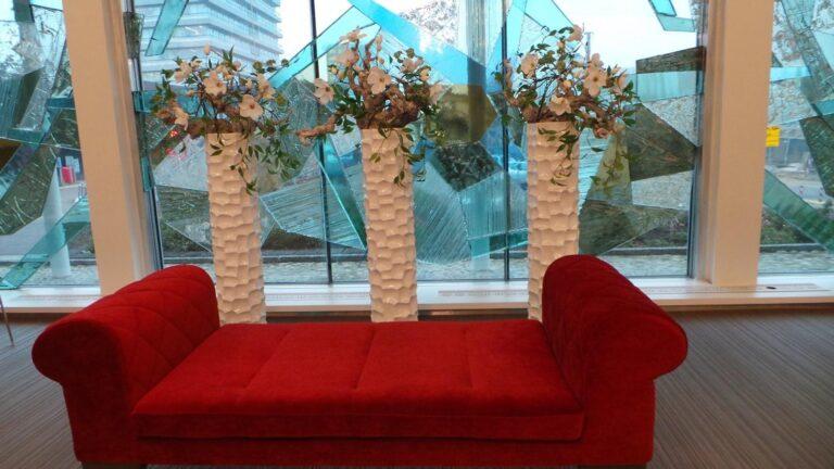Mosaic Column Planter Glossy White 30x132cm Lifestyle4