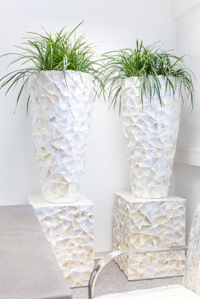 Shell Conical Planter White 40x40x77cm Lifestyle1