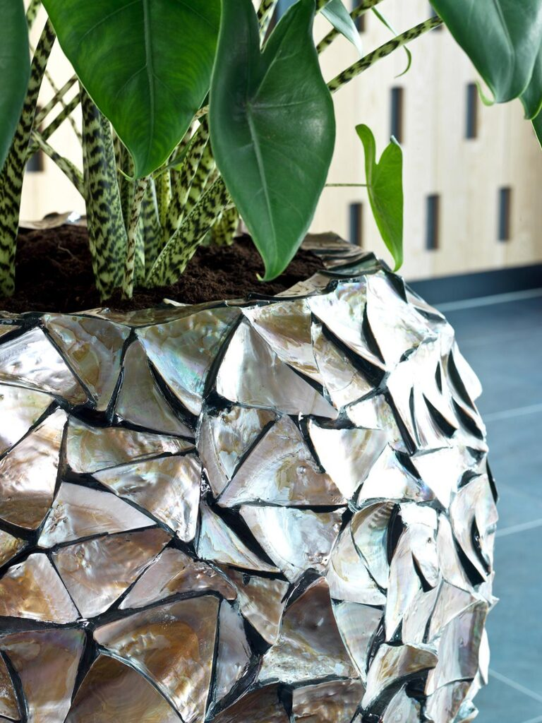 Shell Vase Planter Brown 74x80cm Lifestyle1