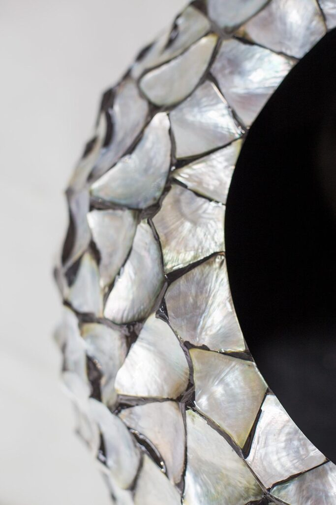 Shell Vase Planter Silver-Blue 74x80cm Lifestyle1