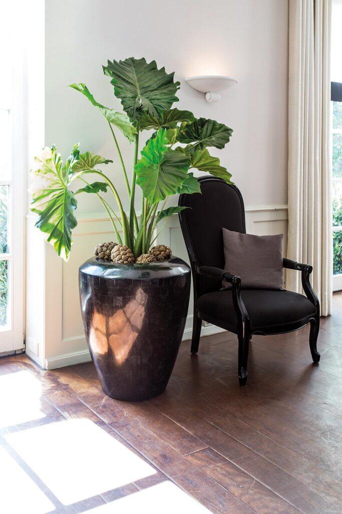 Stone Mosaic Conical Planter Black 60x70cm Lifestyle2