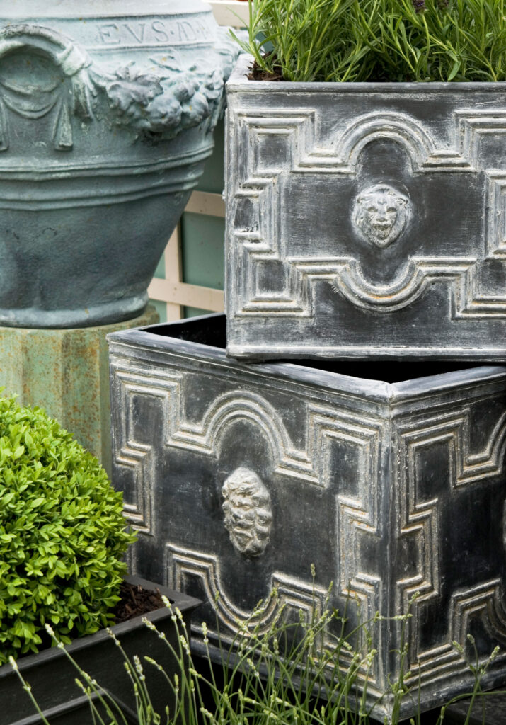 Elizabethan Low Cube Planter in Antique Faux Lead Lifestyle1