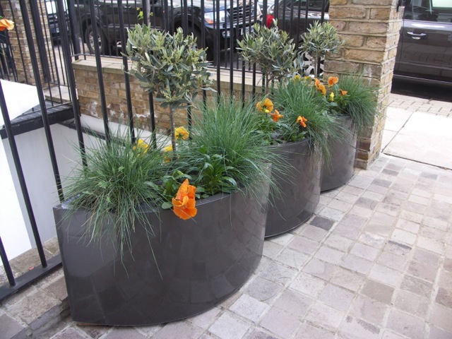 Geo Oval Planter in Faux Lead Lifestyle2
