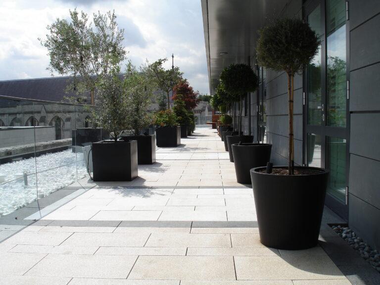 Geo Tapered Column Planter Lifestyle4