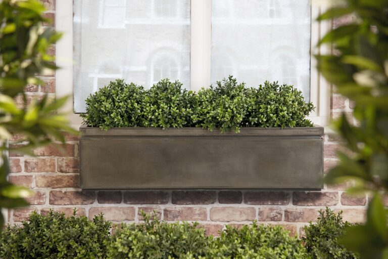 Pall Mall Window Box in Antique Brass Lifestyle4