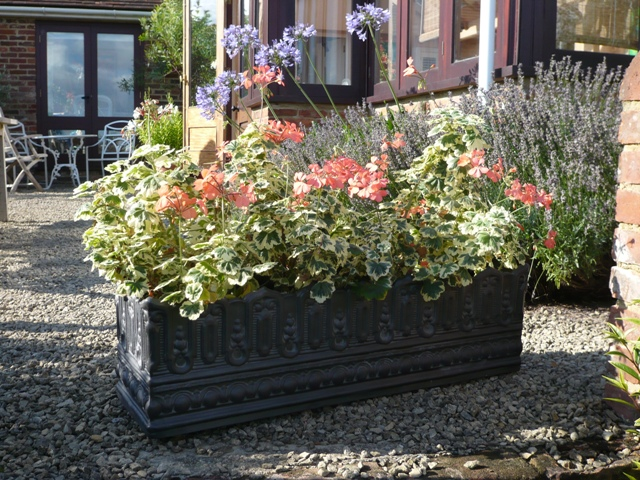 Pinot Window Box in Faux Lead Lifestyle3